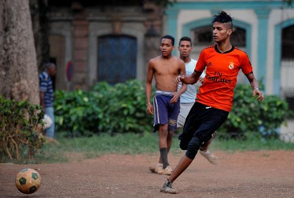 El fútbol para divertirse (YAMIL LAGE/AFP/Getty Images)