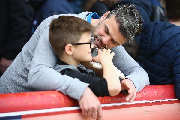 Padres de jóvenes futbolistas (Photo by Harry Murphy/Getty Images)