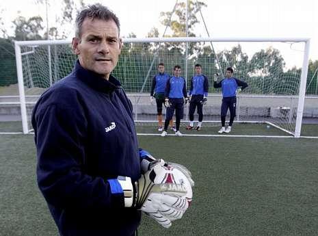 Javier Falagán (entrenador de porteros del Coruxo, exguardameta del Compostela en Primera División)