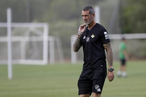 Jon Pascua (entrenador de porteros de Real Betis)